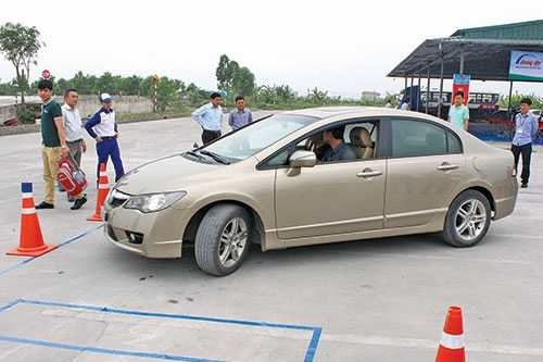 Lời khuyên bổ ích cho những ai muốn tự học lái xe ô tô b2